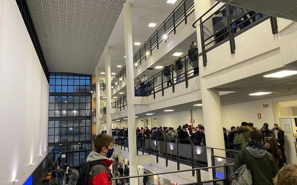 Los universitarios se alzan ante los exámenes presenciales