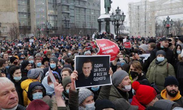 Las mayores protestas en décadas continúan en Rusia por la detención de Alexei Navalny
