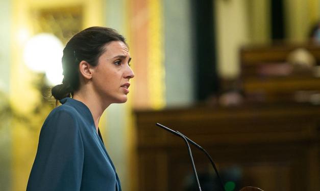 Las razones de la abstención del PSOE a la Ley Trans provocan una avalancha de críticas