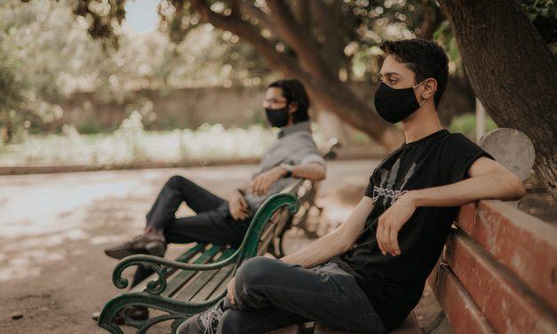 España se quita la mascarilla en exteriores después de un año