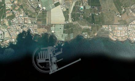 La construcción de un macropuerto en Tenerife pone en peligro a la única zona Patrimonio de Ballenas de Europa