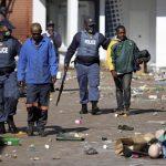 Continúan los disturbios en Sudáfrica tras el encarcelamiento de Zuma